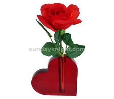 SKOT-035-1 Heart shaped vase