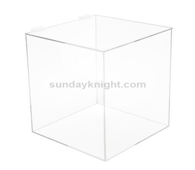 Plexiglass box with hinged lid