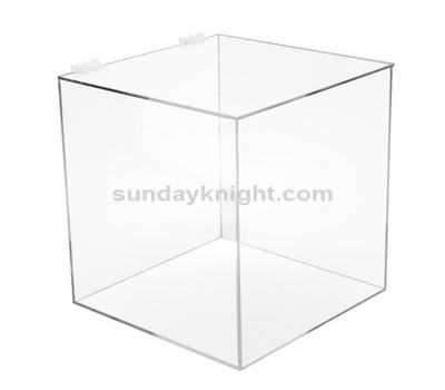 Plexiglass box with hinged lid