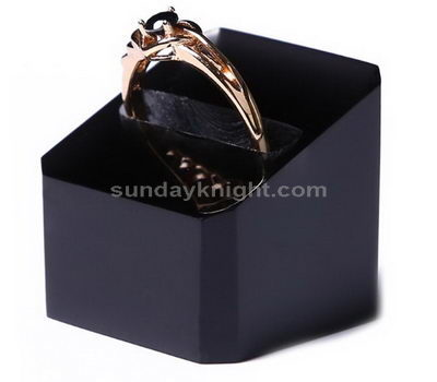 Black acrylic ring display stand