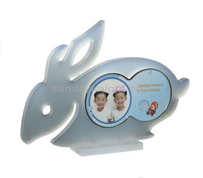 Rabbit picture frame