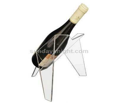 Clear stand for red wine
