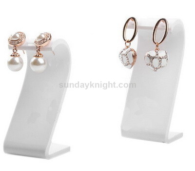 White earring display stand