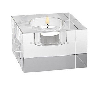 Clear Pillar Candle Holder