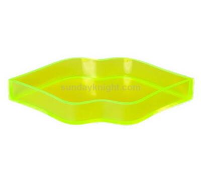Custom lip shaped acrylic tray